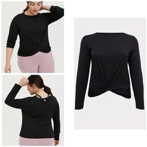 NWT Torrid Twist Front Active Crop Long Sleeve Tee